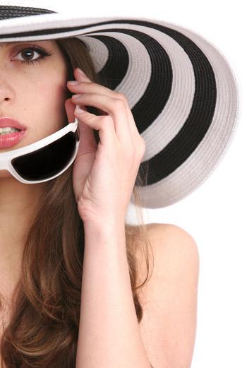 Современная косметика содержит компоненты, способные усиливать выработку эндогенного коллагена и эластина.
