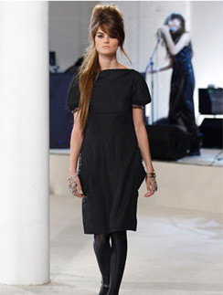 Стиль Эми Уайнхаус на показе Chanel pre-fall 2008