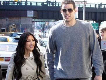 Ким Кардашьян (Kim Kardashian) выходит замуж