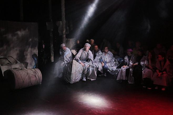 Спектакль Теркин на Новой сцене Александринского театра: фото