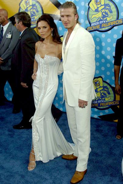 Виктория Бэкхем на MTV Movie Awards-2003 – это одно из самых обсуждаемых платьев в истории Голливуда
