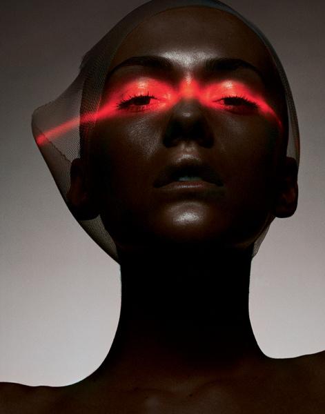 Делу красоты служат лазерные, ультразвуковые, инфракрасные, световые и многие другие лучи.