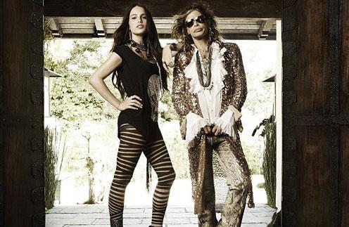 Челси Талларико (Chelsea Tallarico) и Стивен Тайлер (Steven Tyler) позируют для рекламной кампани Andrew Charles
