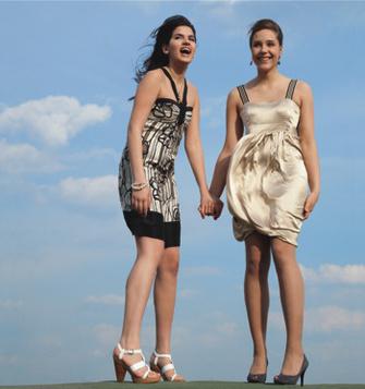 Мэри и Дарья, 17 лет, на школьном выпускном