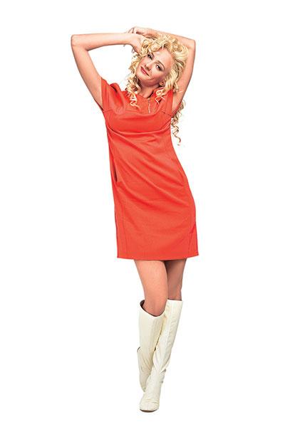 Платье Escada Sport, сапоги Sigerson Morrison