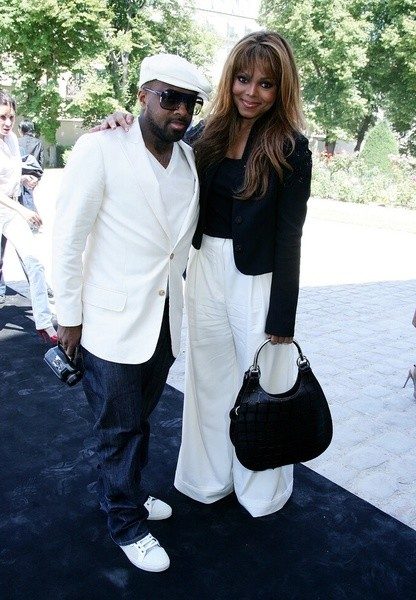 Джанет Джексон (Janet Jackson) с другом на показе Christian Dior