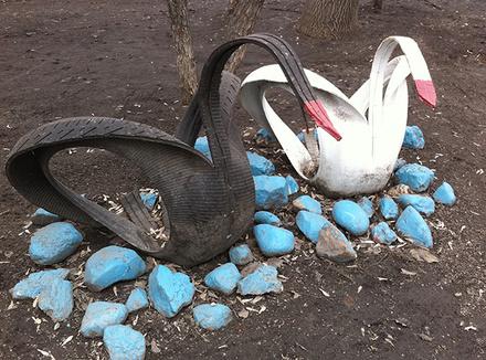 Елена Погребижская: Резиновые лебеди из шин или нищета в головах
