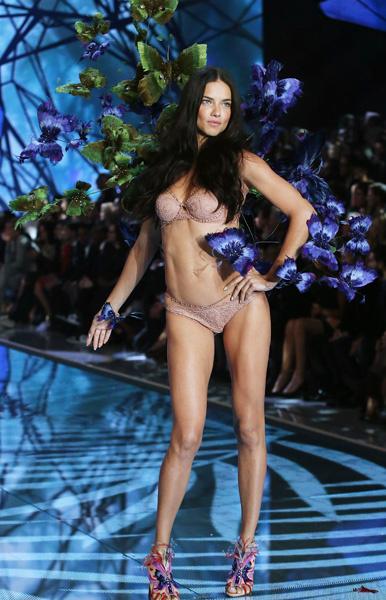 Нижнее белье Victoria's Secret: шоу