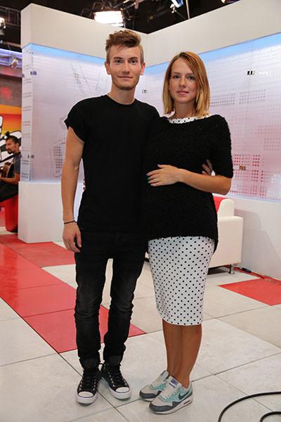Егор Сесарев с невестой фото