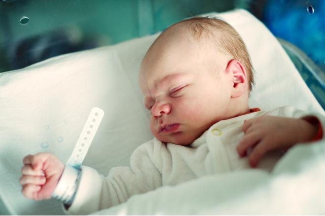 Почему кряхтит новорожденный ребенок