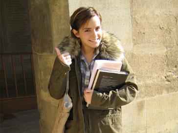 Эмма Уотсон (Emma Watson) рада оказаться в стенах одного из самых престижных учебных заведений