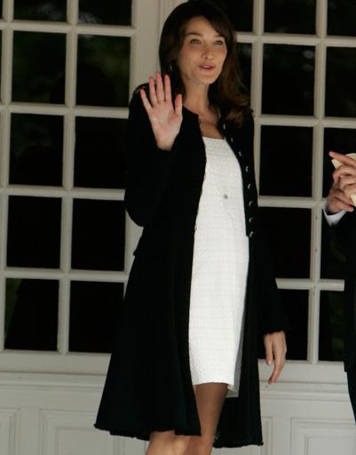 Карла Бруни-Саркози знает толк в одежде