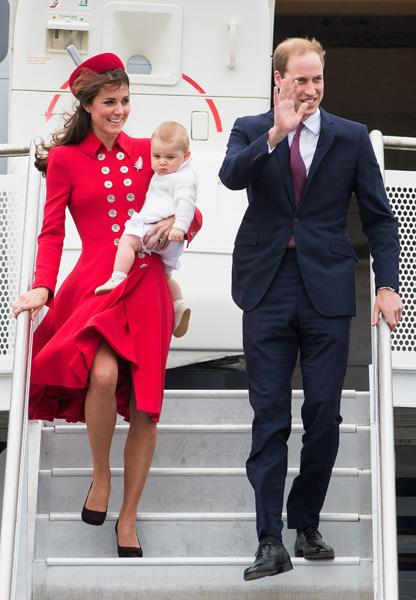 Кейт Миддлтон с принцем Джорждем и принцем Уильямом
