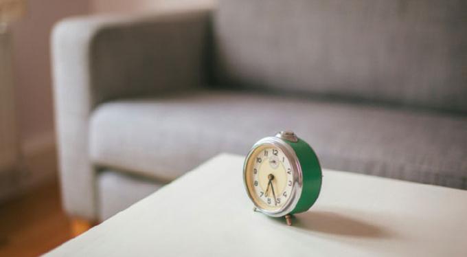 Взглянуть на часы