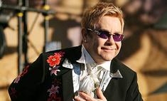 Элтон Джон пригласил Медведева на свой концерт