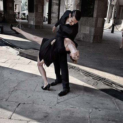 Ольга Куриленко на съемках календаря Campari