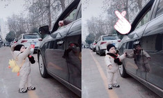Ребенок вернул бутылку водителю, выбросившему ее из окна машины (видео)