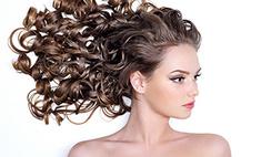 Кудряшка Сью: топ-10 красавиц с вьющимися волосами