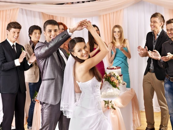 Весёлые и простые конкурсы на свадьбу