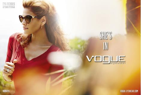 Рекламная кампания She's in Vogue с Евой Мендес