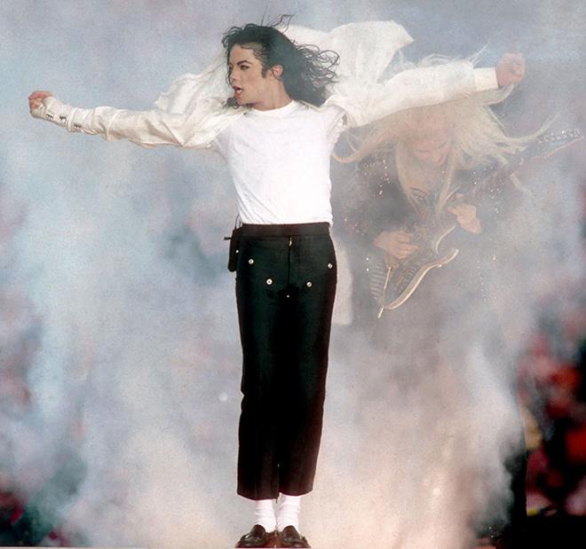 Майкл Джексон выступает в Пасадене (Калифорния), 1993 год