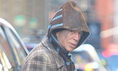 Микки Рурк одевается как бездомный