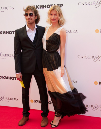 Артем Ткаченко с супругой