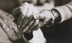 Если семьи коснулся рак: 7 способов помочь