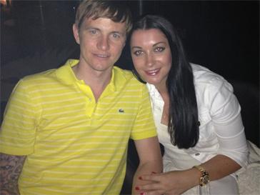 В поездке Лере составили компанию Роман Павлюченко с женой.