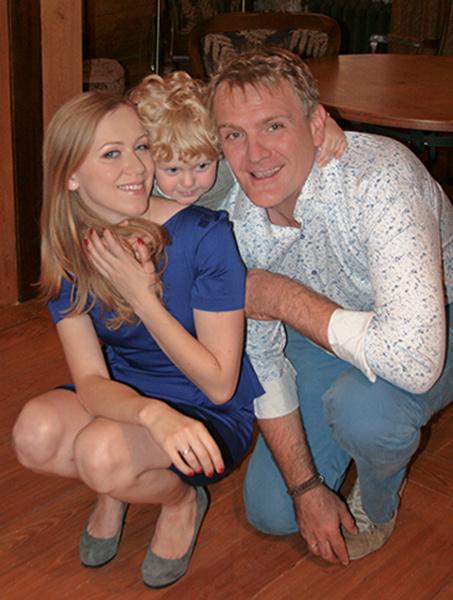 Сергей Пиоро и Елена Головизина с сыном Арсением