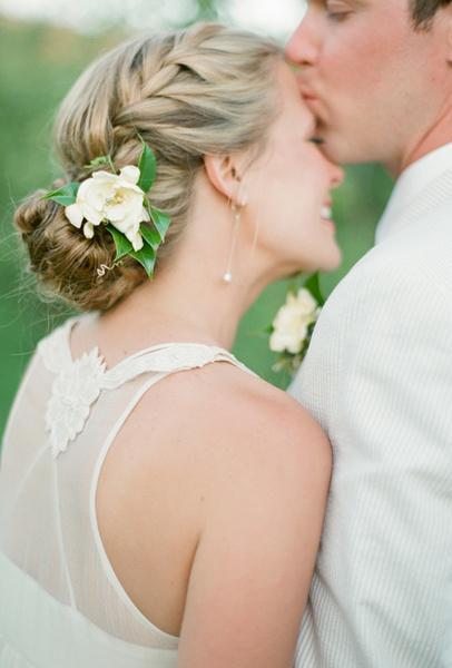 Как украсить цветами свадебную прическу   галерея [3] фото [2]