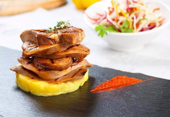 фирменное блюдо ресторан UNO открытие Цвет города