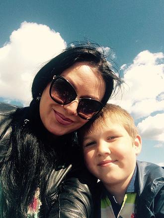 Оксана Ручнова с сыном, фото