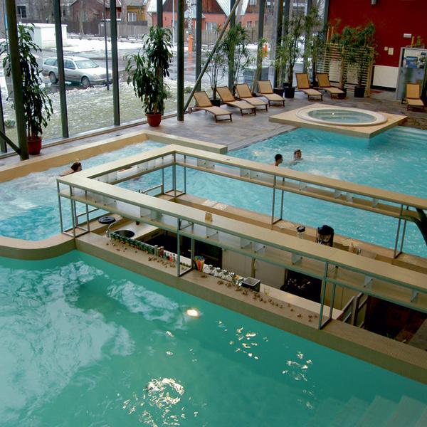 Для ностальгирующих по каникулам на берегу Рижского залива сообщаем: Юрмала не испортилась, к тому же там появились спа-отели в скандинавском стиле