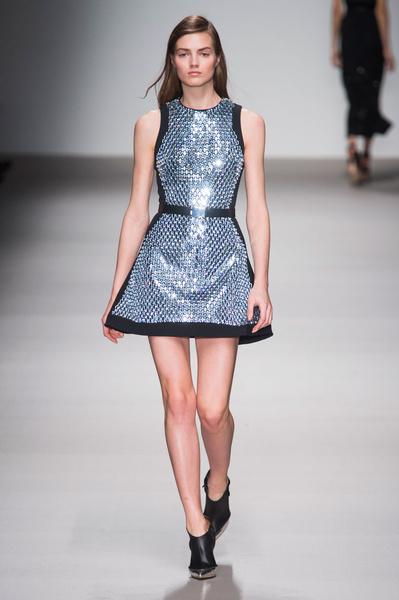 Неделя моды в Лондоне: 22 февраля   галерея [1] фото [2]