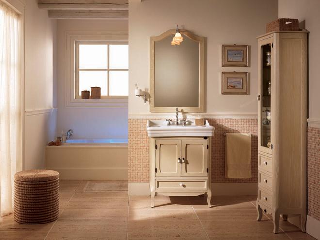 Композиция А21 Rebecca излинейки Royal (Eban) включает базу, керамическую раковину, зеркало в раме. Габариты (Ш × Г × В): 76 × 54 × 76 см. От 70 200 руб.