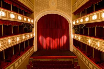 «Люблю театр за магию перевоплощения»