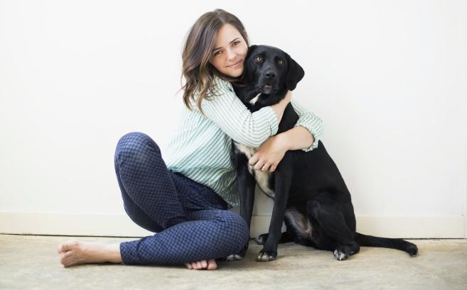 Стая собак, которая увязывается за тобой, сопровождает твой путь прыжками и лаем — жизненная суета, помехи духовному развитию.