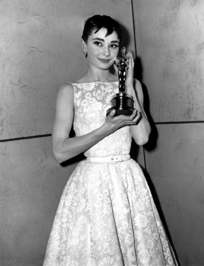 5. Одри Хепберн в Givenchy (1954)