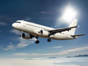 Юмористическое шоу в самолете принесло 160 тыс.евро
