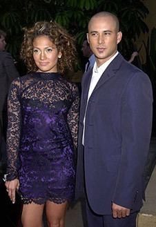 В платье от Dolce&Gabbana за девять тысяч долларов