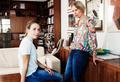 Мать и дочь: под маской заботы может скрываться агрессия