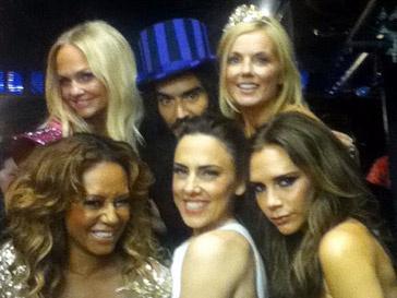 Рассел Брэнд (Russel Brand) и группа Spice Girls на Олимпиаде-2012