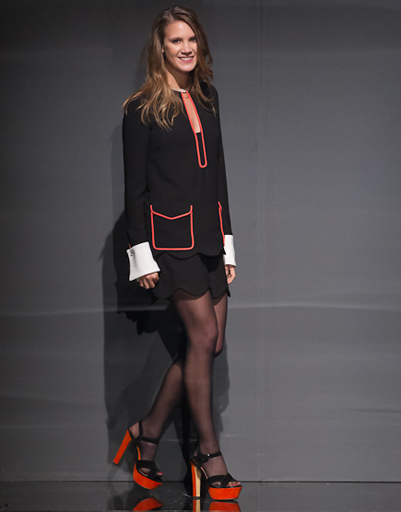 Кира Пластинина, выход дизайнера на показе LUBLU Kira Plastinina, Volvo-Неделя моды в Москве