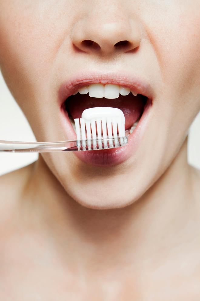 как отбелить эмаль зубов в домашних условиях