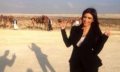 Экзотика: Ким Кардашьян попробовала верблюжье молоко