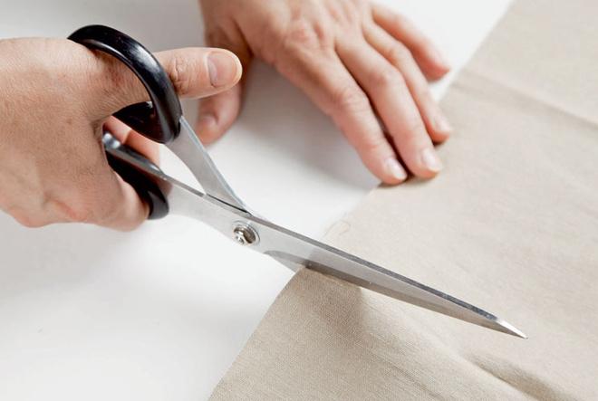 Не забудьте о припусках на швы! По всем четырем сторонам каждой детали нужно оставить по 1–1,5 см.