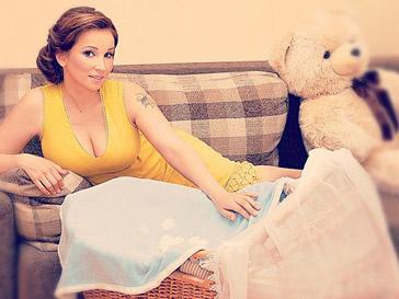 Молодой маме Анфисе Чеховой удобнее делать покупки через интернет