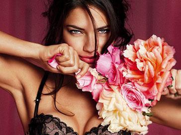 Адриана Лима (Adriana Lima) в фотосессии новой коллекции Love Me