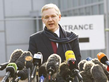 Джулиан Ассанж (Julian Assange) отрекся от слов, сказанных в беседе с редактором Private Eye